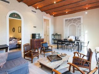 Plaza Catalunya 4BR/2.5BA in the Eixample for 10, Barcelona