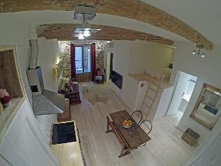 Charming 1 bedroom apartment with mezzanine, Antibes