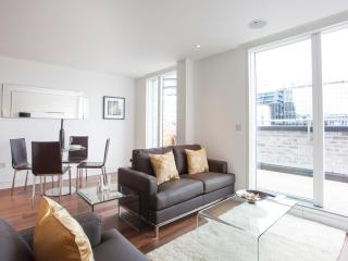 Contemporary 1Bed London Square Apartment