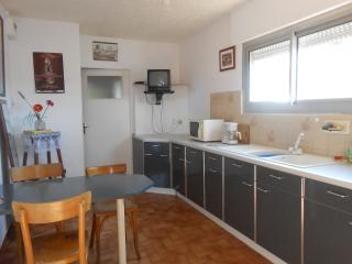 2 Bedrooms Appartment in Mèze, Meze