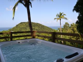 AZUR, bungalow spa privé vue mer, Deshaies