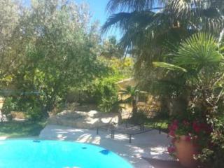 5-Bedroom Duplex Flat with Sea Views, La Garde