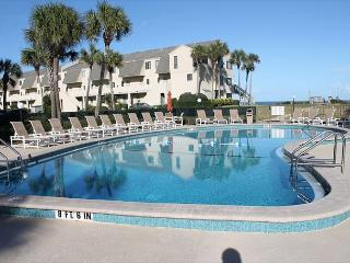 Summerhouse, 2 Bedroom, 2 1/2 Bath, Ocean View Condo, Steps To The Beach, Crescent Beach