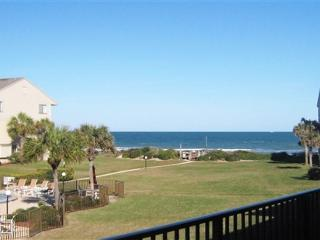 2 Bedrooms, 2.5 Bathrooms, Sleeps 6, Ocean View Condo, 4 Heated Pools, with WiFi