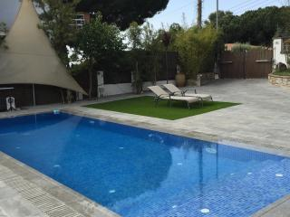 CHARMING VILLA WITH PRIVATE POOL, CABRILS, COSTA MARESME, BARCELONA