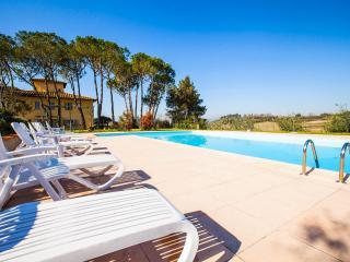 Apt 8 La Certaldina 'Visit & relax in Tuscany', Certaldo