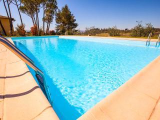 "Apt 10 La Certaldina ""Relax & Visit Tuscany"""