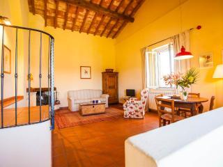 "Apt 10 La Certaldina ""Relax & Visit Tuscany"", Certaldo"