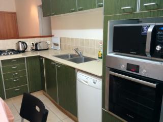 Note new kitchen appliances