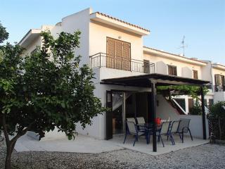 3 BEDROOM HOUSE IN MARGARITA GARDENS, KATO PAPHOS, Paphos