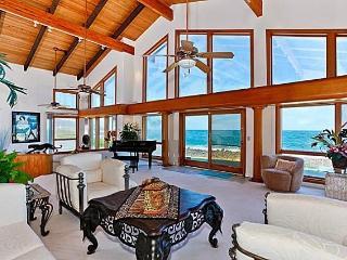Shangri La By The Sea - luxurious home w/ pool, Kailua
