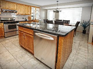 Beautiful Home Close to Downtown and Stampede Park, Calgary
