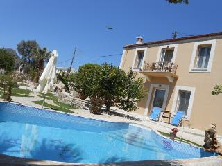 Private paradise with a heated pool, great views and a large garden