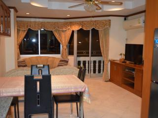 double apartment on topfloor (1040) in Jomtien