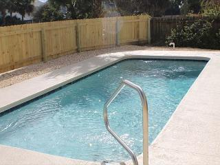 Atlantic Splash, Pet Friendly, 3 Bedroom, 2 1/2 Baths, Sleeps10, Private Pool, Saint Augustine