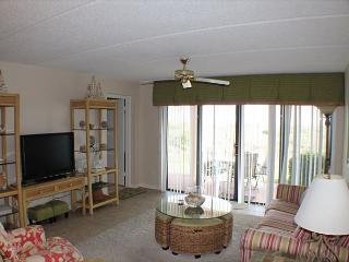 Sea Place - Ocean Front - 3 Bedroom Condo, Flat Screens, Upgraded throughout, Saint Augustine