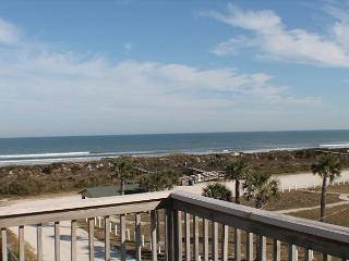 Ocean View, 3 Bedroom, Sleeps 8, Flat Screens, WIFI, Sun Deck, Pet Friendly, Saint Augustine Beach