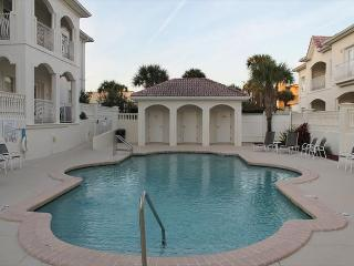 2 Bedroom, 2 Bath, Bonus Room, Garage, 2 Pools, WIFI, Tempur Pedic Mattresses, Santo Agostinho