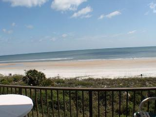 Summerhouse 363, Ocean Front Condo, SMART TV, WIFI, 4 Heated Pools