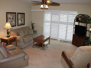 Summerhouse, Ocean View - Ground Floor - 2 Bedroom, 2 Bath, Wifi, Flat Screen, Crescent Beach