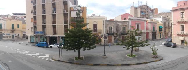 Veduta piazza Mazzini lato ingresso appartamento al porto di levante