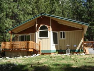 Vacation Cabin Located on the Entiat River