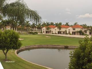 St. Petersburg condo on Isla dol sol golf course