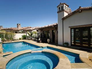 Private pool, hot tub, wonderful outdoor spaces near the beach - Goleta Shores Getaway