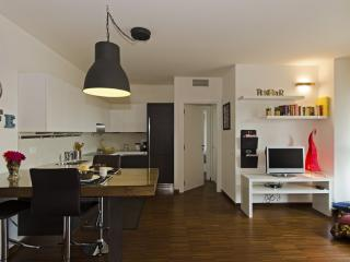 easyhomes Lambrate Ventura - one bedroom, x 4 pp, Province of Milan