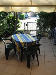 possibilité de prendre les repas dans le jardin privé