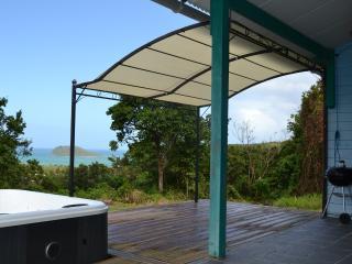Ti-Kaz, maison, spa privé et vue mer, Deshaies