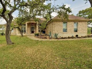 5BR Hill Country House with a Large Yard, Great for Families, Driftwood