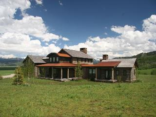 Beautiful Custom Home on 5 Acres Close To National Forest & Jackson Hole!