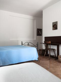 Palma-Triple room with ensuite shower room