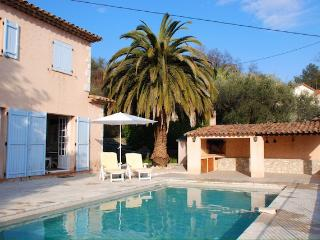 Charming provencal villa with magnificent views.