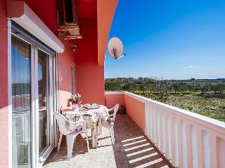 Spacious apartment for 2-6 people with sea view, Vrsi