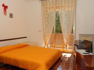 Locale in zona tranquilla e residenziale, San Remo