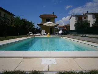 Casa con piscina Viareggio Fraz. Torre del Lago, Torre del Lago Puccini