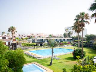 06 Seafront, golf, swimming pool, Golf del Sur