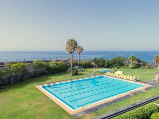 10 Seafront, golf, swimming pool