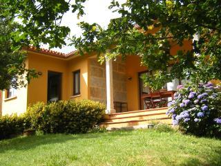 Preciosa y tranquila casa en Adina (Sanxenxo)). Con calefacción (biomasa)