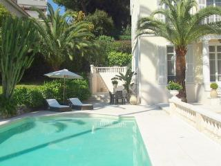 JdV Holidays Villa Melisse,  5 bedroom Bourgeois-style walking to Nice Port, Niza