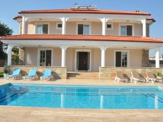 Spacious villa close to amenities, Dalyan