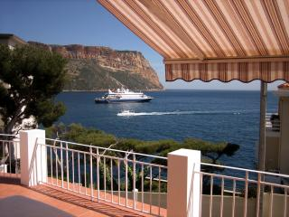 Appartement  face à la mer et au Cap Canaille.