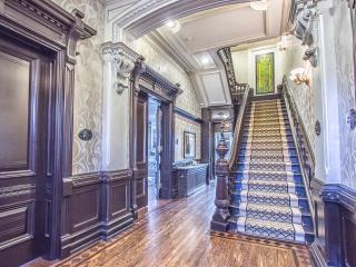 Cooper Mansion-Luxury 1BD Suite, Toronto