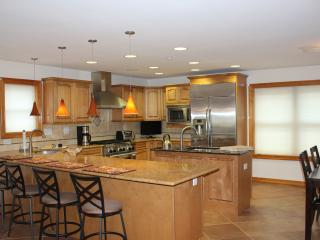 Luxury 5 Bed  5 Bth House near Ocean  with Pool, Wildwood Crest