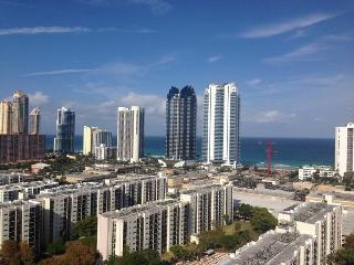 Sunny Isles beach, Luxurious and modern
