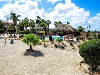 Paradise Villas & Apartments 2 bedroom, Oranjestad