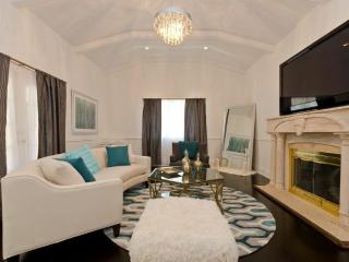 4 bedroom 5 beds Beverly Hills Home