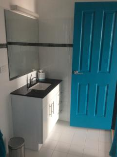 Blue Room ensuite